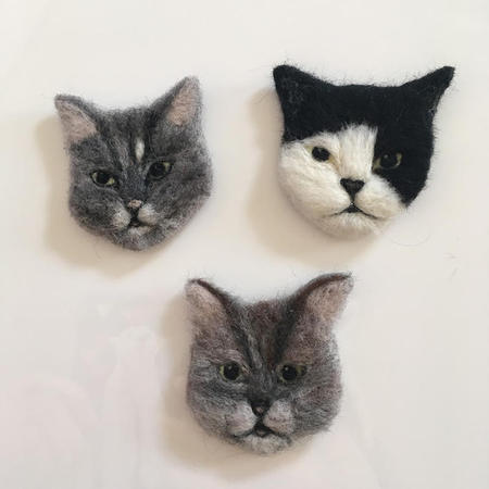 3cats_brooch01.jpg
