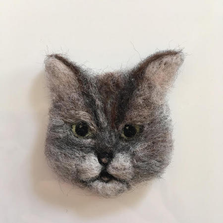 3cats_brooch02.jpg