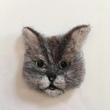 3cats_brooch02.jpg