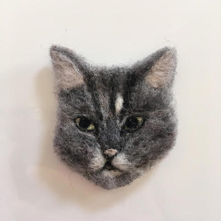 3cats_brooch03.jpg