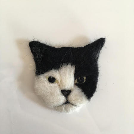 3cats_brooch04.jpg