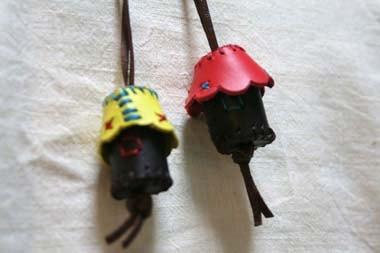 家型ネックレス1